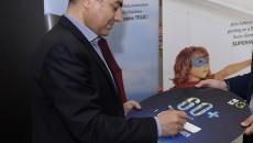 مدير عام الفا يوقع شعار المبادرة