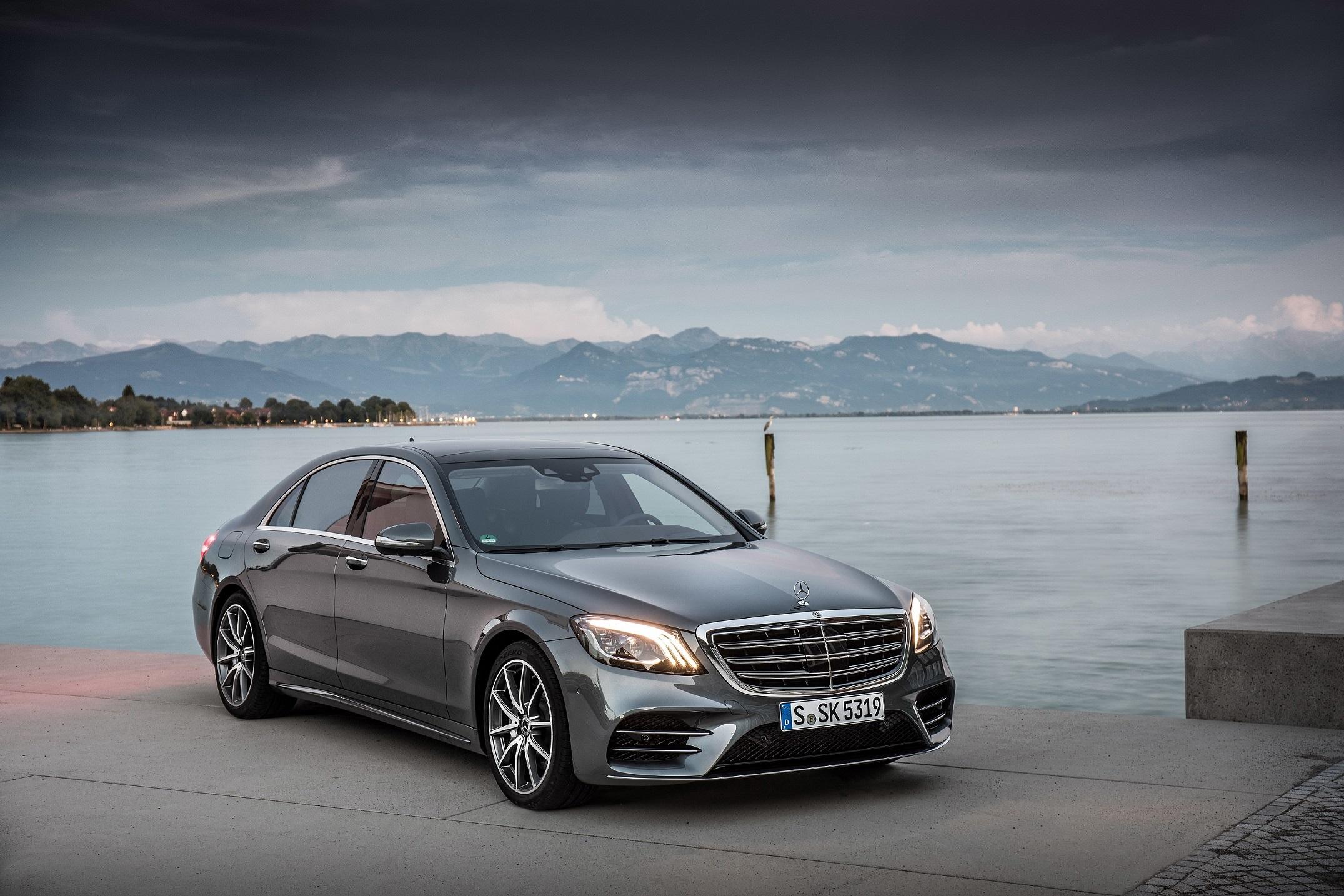 Mercedes-Benz S 500, selenitgrau metallic, Leder Exklusiv Nappa magmagrau/espressobraun;Kraftstoffverbrauch kombiniert: 6,6 l/100 km; CO2-Emissionen kombiniert: 150 g/km*  Mercedes-Benz S 500, selenite grey metallic, exclusive nappa leather magma grey/espresso brown;fuel consumption combined: 6.6 l/100 km; combined CO2 emissions: 150 g/km*