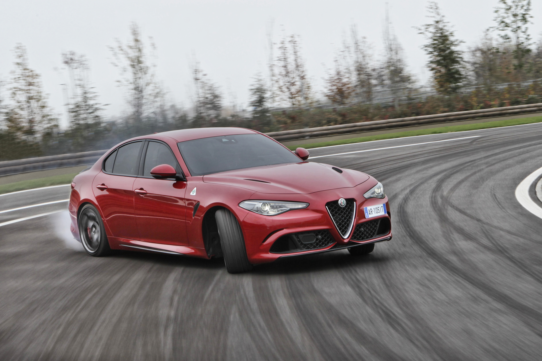 Alfa Romeo Giulia Quadrifoglio 2